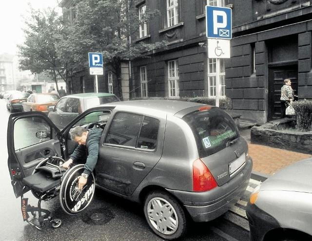 Karty parkingowe trzeba będzie zweryfikować