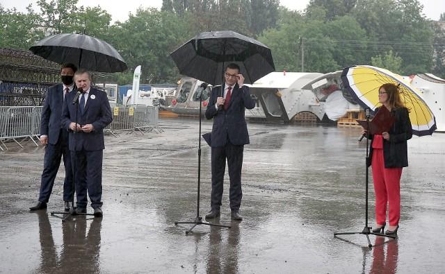 Premier Morawiecki na placu budowy łódzkiego tunelu średnicowego przy ul. Stolarskiej.