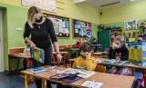 Nowe obostrzenia. Niedzielski: Wracamy do trybu nauki zdalnej w klasach 1-3. Co z przedszkolami i żłobkami?