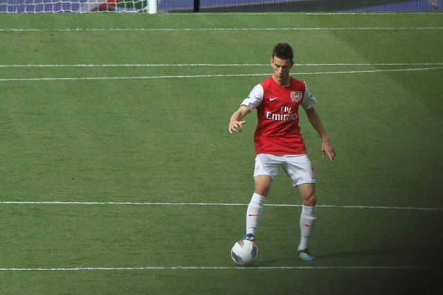 Laurent Koscielny podpisał nowy kontrakt z Arsenalem