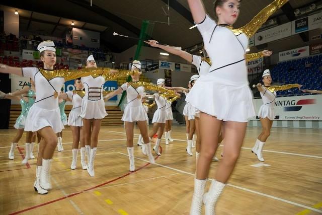 Najlepsze mażoretki z całego kraju wzięły udział w Mistrzostwach Polski Mażoretek Tamburmajorek i Cheerleaderek w Kędzierzynie-Koźlu.