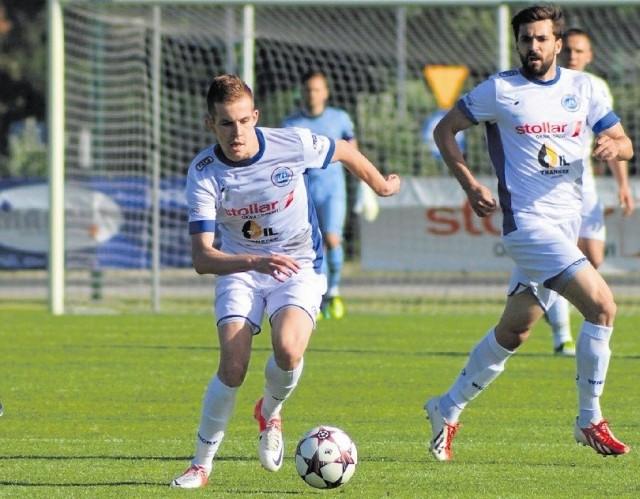 Karol Mackiewicz (z piłką) ma za sobą udany rok w Wigrach Suwałki. 22-letni skrzydłowy rozpocznie od stycznia przygotowania do nowej rundy z Jagiellonią.