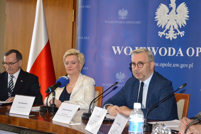O programie Centrów Usług Społecznych wiceminister poinformował podczas konferencji prasowej.