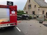 Wypadek w Sieniawie Żarskiej. Zderzyły się dwa auta osobowe. Jedna osoba ranna