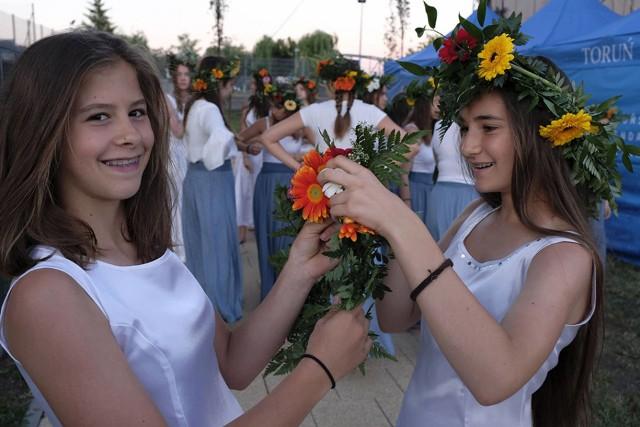 W niedzielny wieczór torunianie świętowali nad Wisłą Noc Kupały