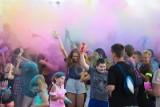Białystok. Dzień Kolorów Holi już w niedzielę 27 czerwca. Na polanie przy Galerii Zielone Wzgórza zrobi się kolorowo