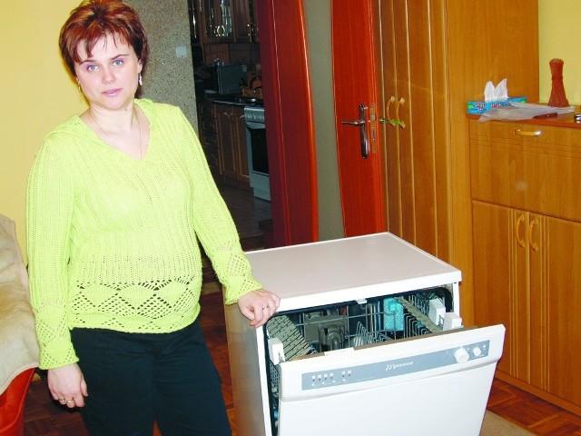 - Gram od samego początku, wysłałam jeden zestaw kuponów i udało się! - mówi Wioletta Łuczaj z Białegostoku, która wygrała zmywarkę Wrozamet