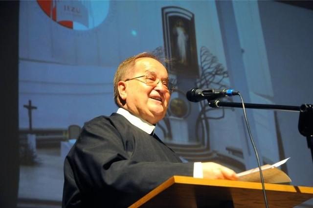 Ojciec Tadeusz Rydzyk przestanie politykować? Apel wkrótce trafi do papieża Franciszka. Podpisało go ponad 100 tys. osób