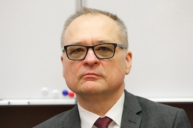 Na zdjęciu prof. Radzisław Kordek, rektor Uniwersytetu Medycznego w Łodzi. Stawki jego stypendium to 600 zł i 800 zł.