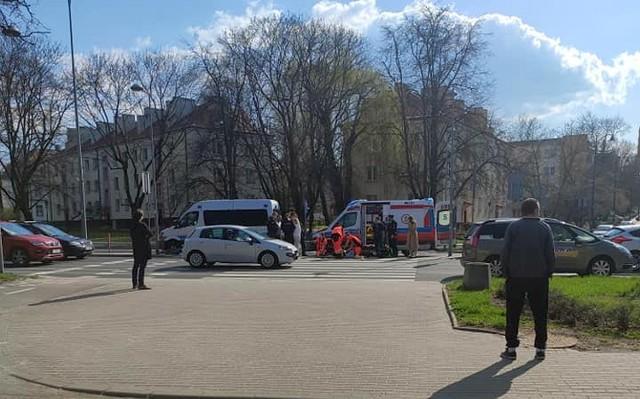 Wypadek na al. Piłsudskiego w Białymstoku. Potrącony rowerzysta trafił do szpitala