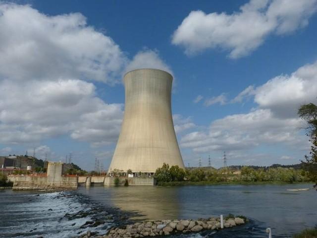 Premier Mateusz Morawiecki potwierdził, że Pątnów jest jedną z trzech możliwych lokalizacji dla budowy elektrowni jądrowej w Polsce. Póki co, nie zapadła żadna wiążąca decyzja, również w kwestii technologii.