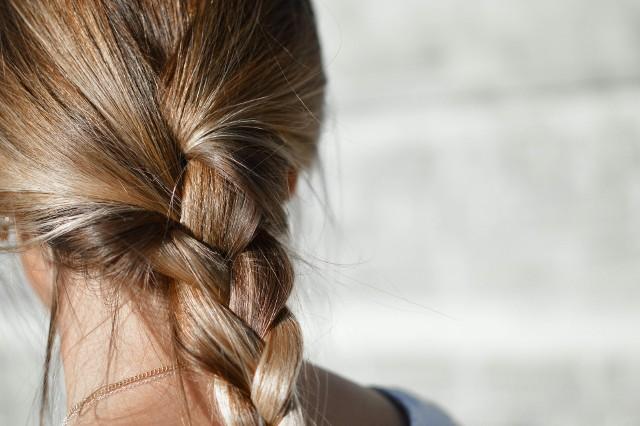 Pomysły na proste i szybkie fryzury