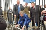 Uroczystość wkopania kamienia węgielnego pod wielomilionową inwestycję spółki Gaspol w Sędziszowie