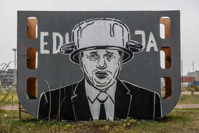 Minister edukacji w garnku na głowie. Nowy mural Mariusza Warasa w Gdańsku