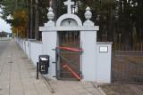 Wszystkich Świętych 2020. Cmentarz w Wasilkowie świeci pustkami (zdjęcia)