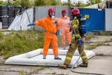 Skarbimierz-Osiedle. Na składowisku odpadów chemicznych doszło do wycieku. W akcji specjalistyczna jednostka strażaków