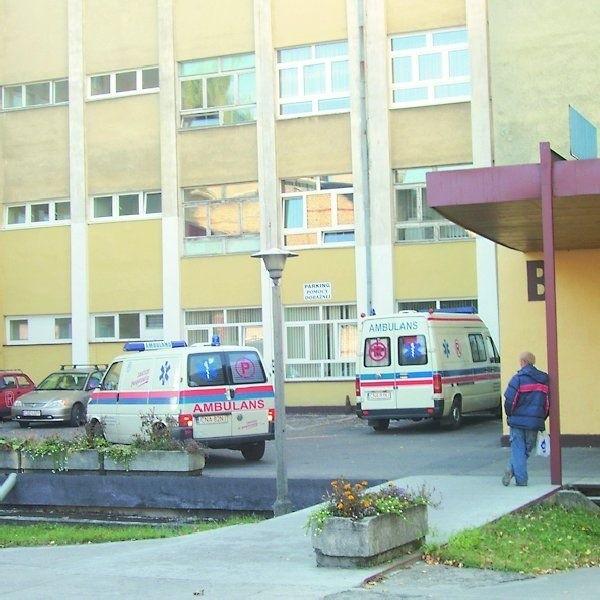 O szpitalu w Nakle znów głośno. Tym razem poszło o  prosektorium, w którym przechowywaniem zwłok zajmuje się  jedna z firm pogrzebowych.