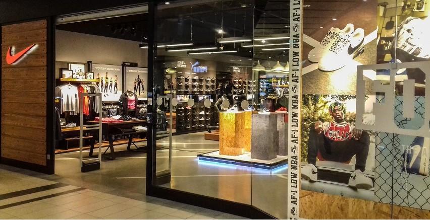 80b71b73ce6a7c W Bydgoszczy w galerii Zielone Arkady znajdziesz salon Nike i adidas. Mało  kto wie, że salony te należą do jednego właściciela.
