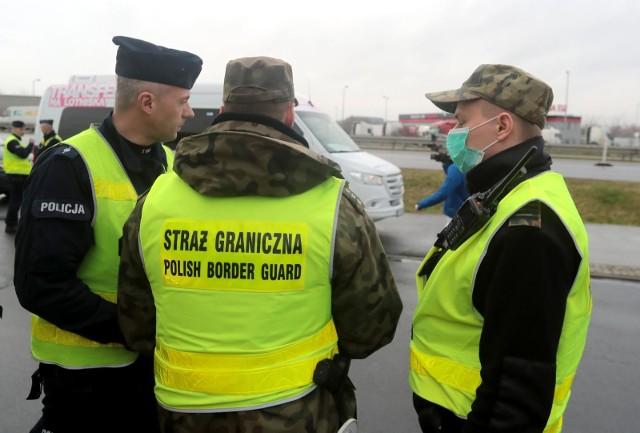 Od 15 do 24 marca 2020 r. prowadzone będą kontrole graniczne. Wprowadzono ograniczenia dla osób chcących wjechać do Polski.