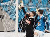 """Lech Poznań - Piast Gliwice 0:0 RELACJA, WYNIK Frantisek Plach zatrzymał """"Kolejorza"""". Co za obrona Słowaka! WIDEO, ZDJĘCIA"""