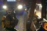 Groźny pożar w Mysłowicach wybuchł nocą. Ludzie wołali o pomoc. Ewakuowano 16 osób z dziećmi z bloku przy Laryskiej