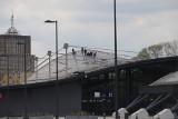 Dach na Fabrycznym przecieka! Podstawiane są nawet wiadra. Do końca maja będą go łatać [zdjęcia]