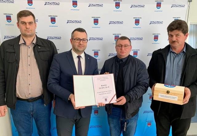 Pogorzelcy z Glinna otrzymali ponad 31 tysięcy złotych