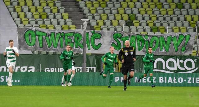 Apel kibiców Lechii Gdańsk: Otwierać stadiony!