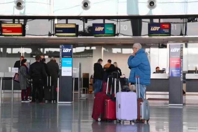 14.11.2018 wroclawworclaw lotnisko imienia chopinaparking  komunikacja lotnisko przyloty odloty odprawagazeta wroclawskapawel relikowski / polska press