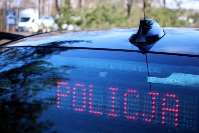 Wypadek radiowozu na Grodzieńskiej w Sokółce. Kobieta i policjant w szpitalu