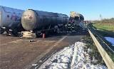 Tragiczny wypadek w Chynowie. Zapaliła się cysterna z gazem. Jedna osoba nie żyje