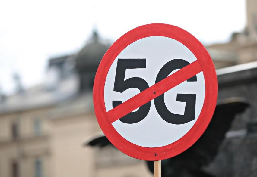 Protesty przeciwko technologii 5G odbyły się w kilku...