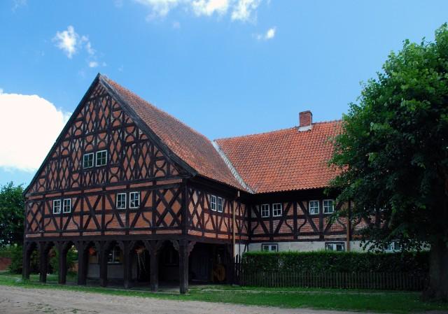 Dom podcieniowy we wsi Trutnowy