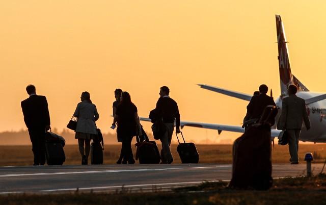 Dwoje turystów zapłaci najmniej za ubezpieczenie wyjazdu do Grecji – kompleksowa ochrona dla dwóch osób, to koszt zaledwie 102 zł. Trochę więcej kosztuje ubezpieczenie wczasów w Egipcie – 169 zł. Z kolei najwięcej, ale wciąż nie tyle ile mogą wynieść koszty leczenia para zapłaci za ubezpieczenie na wakacje w Turcji -173 zł.