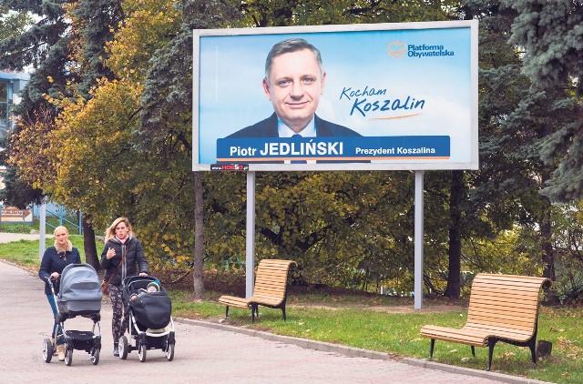 Prezydent Piotr Jedliński: Nie ja decyduję o tym, gdzie są wywieszane moje banery, tylko mój sztab wyborczy.