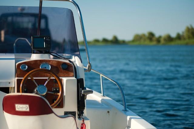 Policjanci zapewniają, że będą kontrolowali poziom respektowania przepisów obowiązujących na jeziorach przez cały sezon letni.