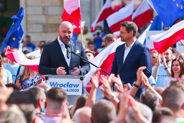 Zdjęcie z kampanii wyborczej kandydata Rafała Trzaskowskiego.Wiec z udziałem Jacka Sutryka na wrocławskim rynku.