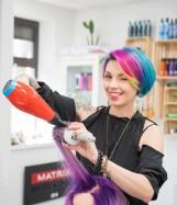 Fryzjerka z Opola Katarzyna Pawłowska mistrzynią świata w strzyżeniu i koloryzacji! Jej dzieło robi piorunujące wrażenie