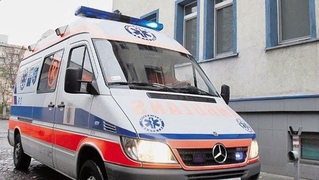 Prokuratura skierowała do sądu akt oskarżenia przeciwko mężczyźnie, który zakażony koronawirusem uciekł ze szpitala w Zgierzu. Łodzianin źle się poczuł pod Zduńską Wolą i został zabrany do szpitala w Sieradzu, skąd trafił do zgierskiej lecznicy.CZYTAJ DALEJ NA NASTĘPNYM SLAJDZIE