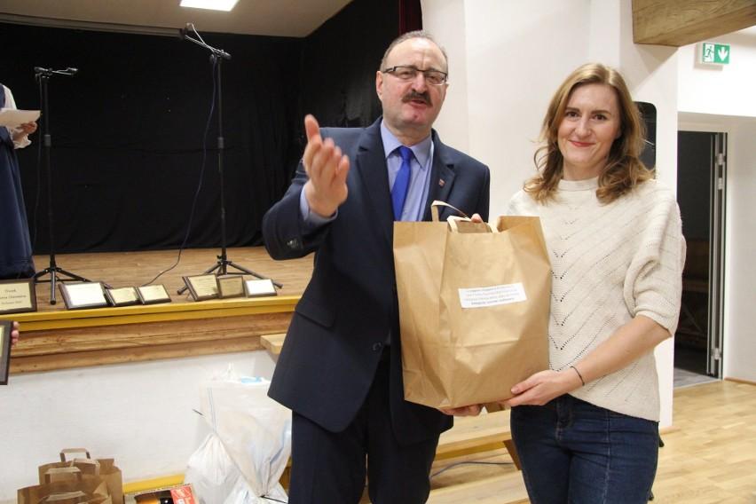 W Gminnym Ośrodku Kultury w Tuchomiu odbył się VIII Konkurs...