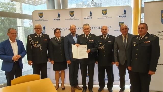W poniedziałek, 15 czerwca marszałkowie podpisali umowę ze Związkiem Ochotniczych Straży Pożarnych na realizację unijnego projektu o wartości 2,6 mln złotych.