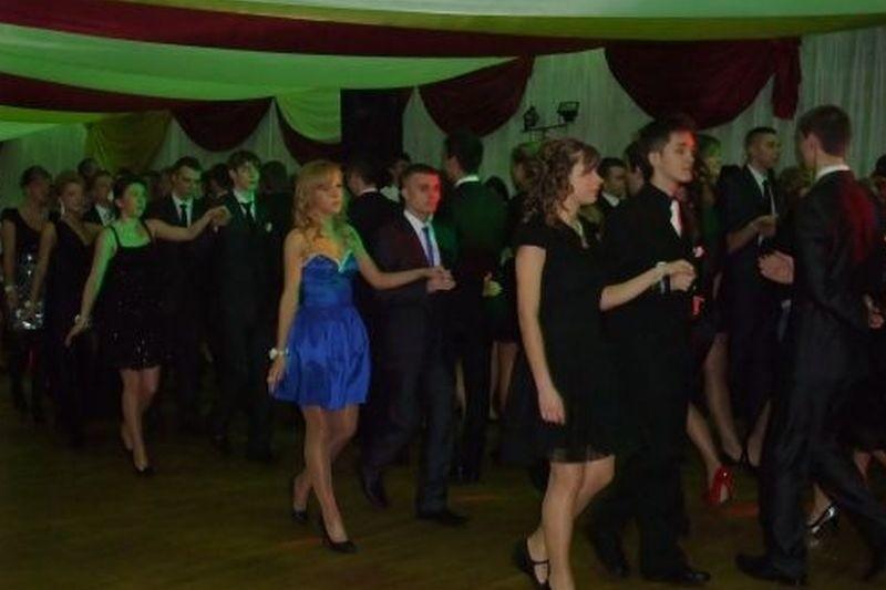 Studniówki 2012. Impreza w Łomży
