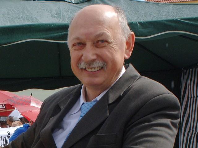 Wójt Darłowa stwierdził, że za umieszczenie plakatów i banerów wyborczych należy uiszczać podatek.