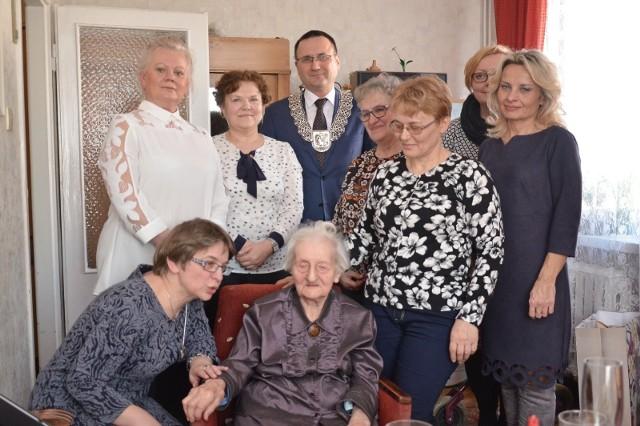 Pani Monika Pietras pochodzi z Wolwarka. Kilkadziesiąt ostatnich lat związana była jednak z Szubinem
