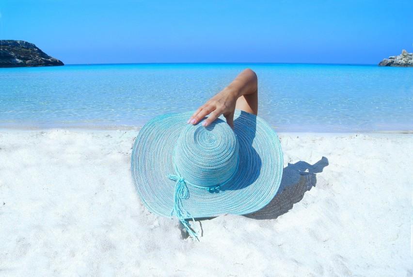Kiedy wziąć urlop, by mieć dłuższe wakacje? Kalendarz dni wolnych 2020