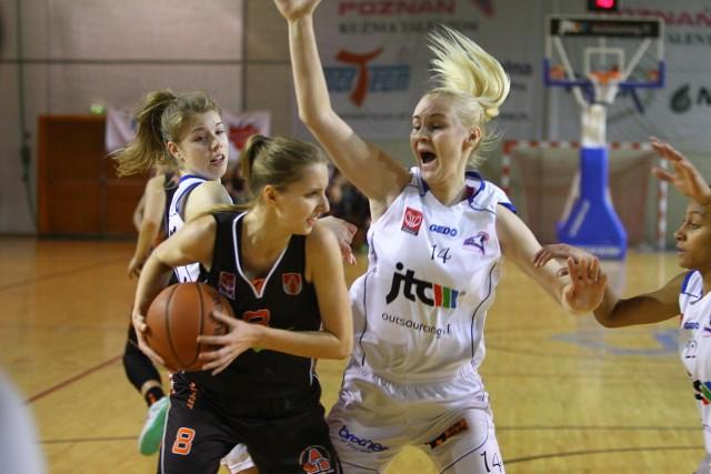 Barbara Miśkiewicz w sobotnim meczu zdobyła 14 punktów dla Pomarańczarni MUKS