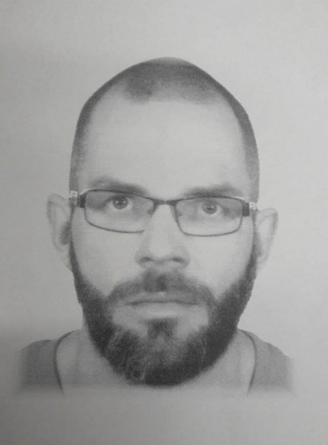 Osoby posiadające jakiekolwiek informacje na temat pobytu mężczyzny proszone są o natychmiastowy kontakt z policją.