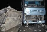 Śmiertelny wypadek na drodze koło Pajęczna. Zderzenie ciężarówki z fiatem
