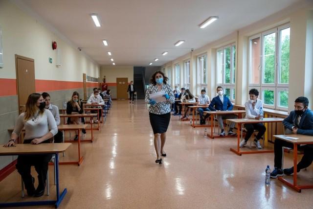 Egzamin ósmoklasisty 2021. Matematyka, arkusze CKE, pytania, odpowiedzi, rozwiązania [26.05.2021]