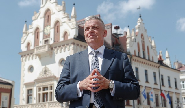 Marek Bajdak pełni obowiązki prezydenta Rzeszowa od 25 lutego br. We wtorek 22 czerwca wróci do Urzędu Wojewódzkiego na stanowisko dyrektora Wydziału Nieruchomości.